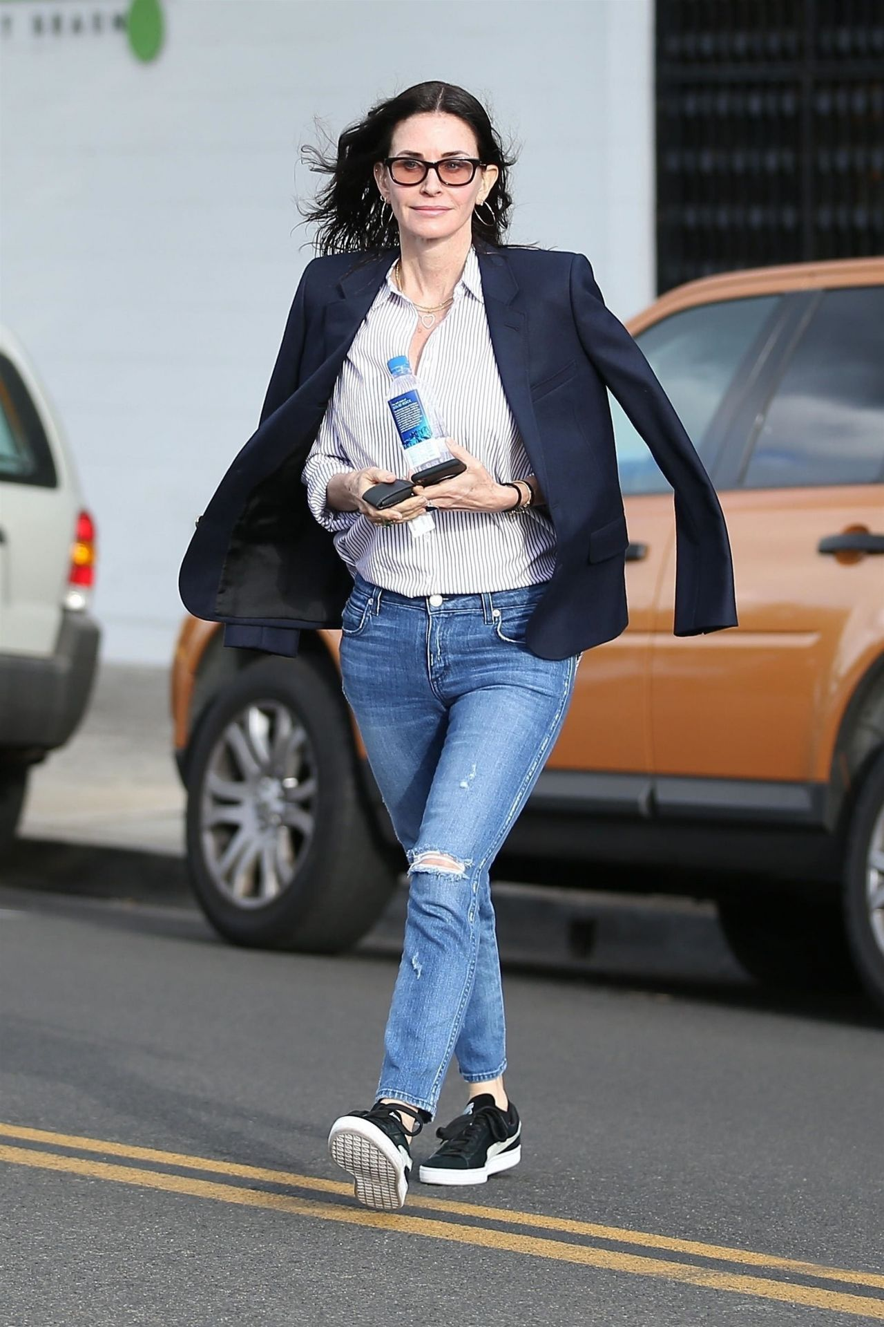 Courteney Cox Visiting A Salon In West Hollywood 02 27 2018