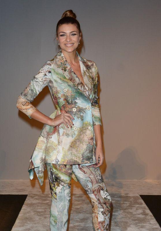 Cristina Chiabotto – Laura Biagiotti Show FW18 in Milan