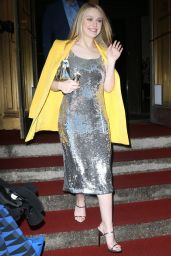 Dakota Fanning - Oscar De La Renta Fashion Show in NYC