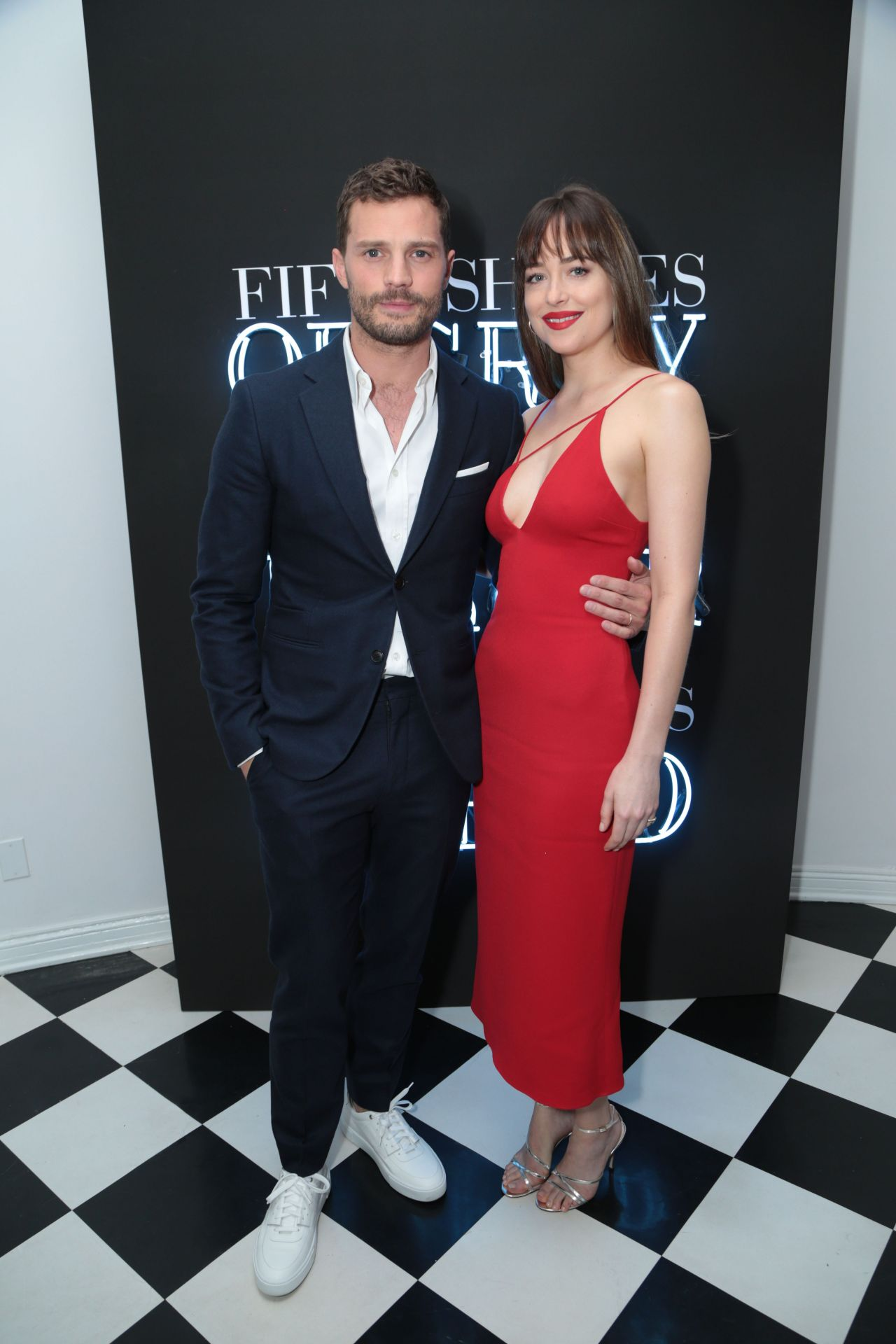 http://celebmafia.com/wp-content/uploads/2018/02/dakota-johnson-fifty-shades-freed-premiere-in-los-angeles-1.jpg