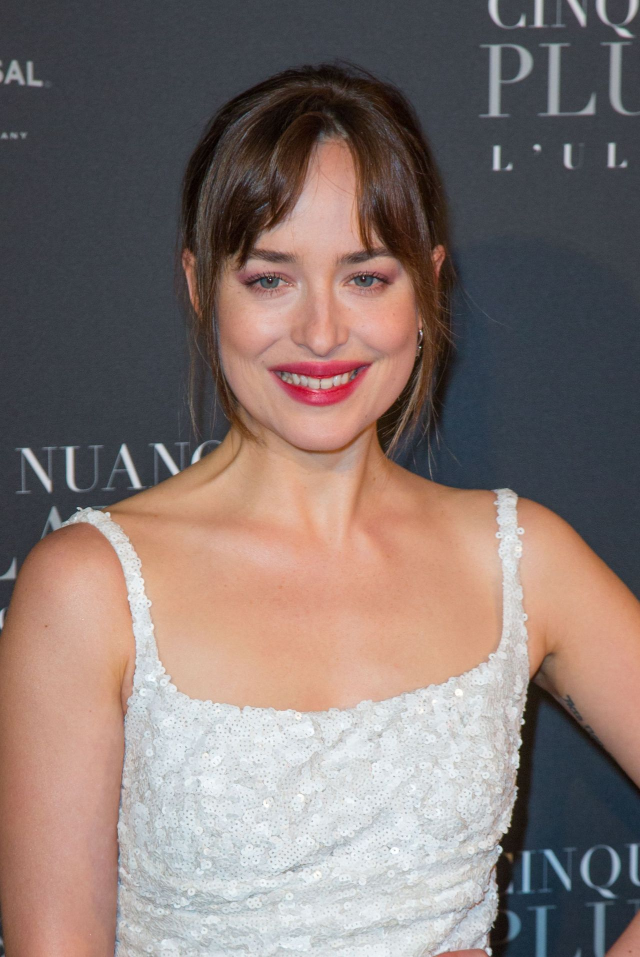 Dakota Johnson Quot Fifty Shades Freed Quot Premiere In Paris