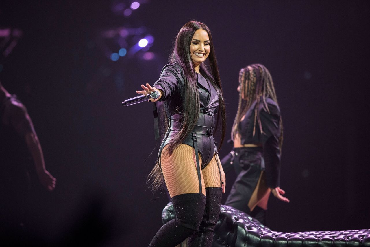 Demi Lovato Quot Tell Me You Love Me Quot World Tour Opener In