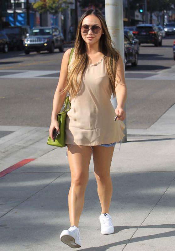 Dorothy Wang Street Style - Shopping in Beverly Hills
