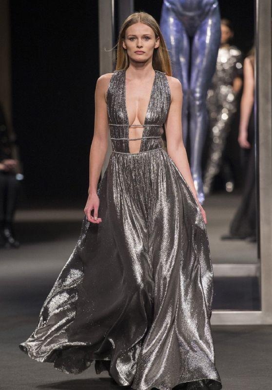 Edita Vilkeviciute Walks Alberta Ferretti Show, Milan Fashion Week 02/21/2018