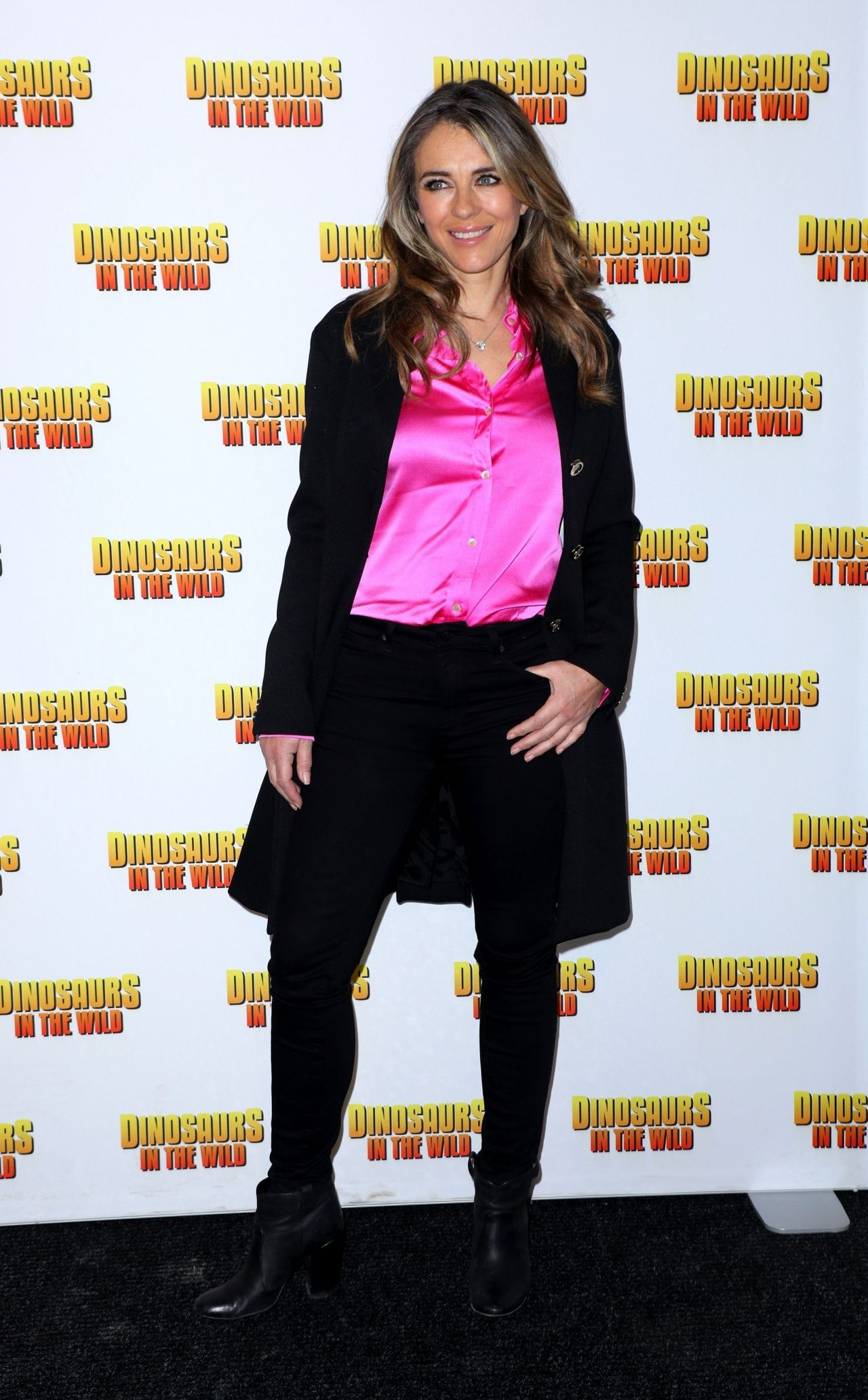http://celebmafia.com/wp-content/uploads/2018/02/elizabeth-hurley-dinosaurs-in-the-wild-exhibition-in-london-5.jpg