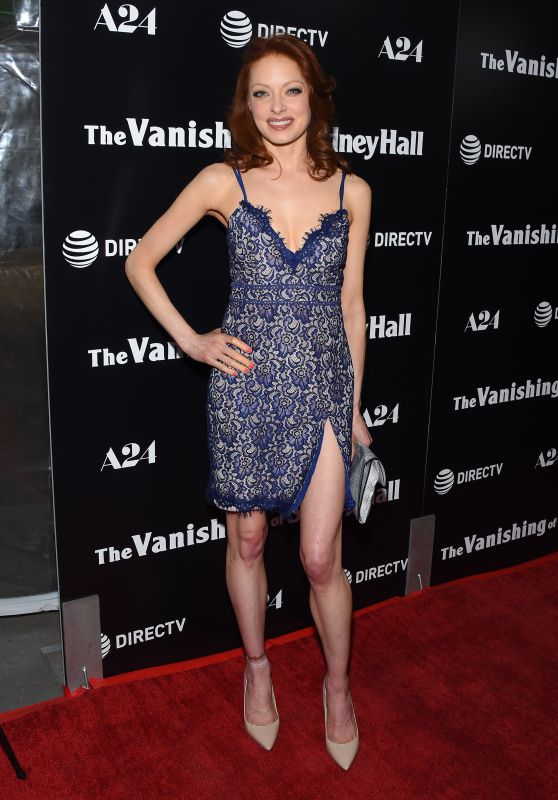 "Elizabeth J Carlisle – ""The Vanishing of Sidney Hall"" Premiere in LA"