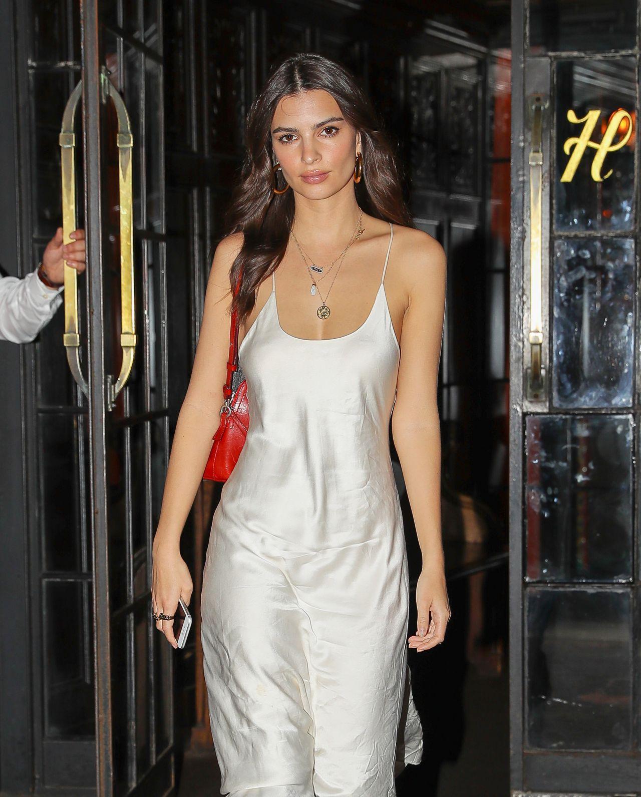 Movie elizabeth banks dating new york city paris 2019