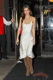 Emily Ratajkowski Night Out Style - Out For Dinner in NYC 02/21/2018