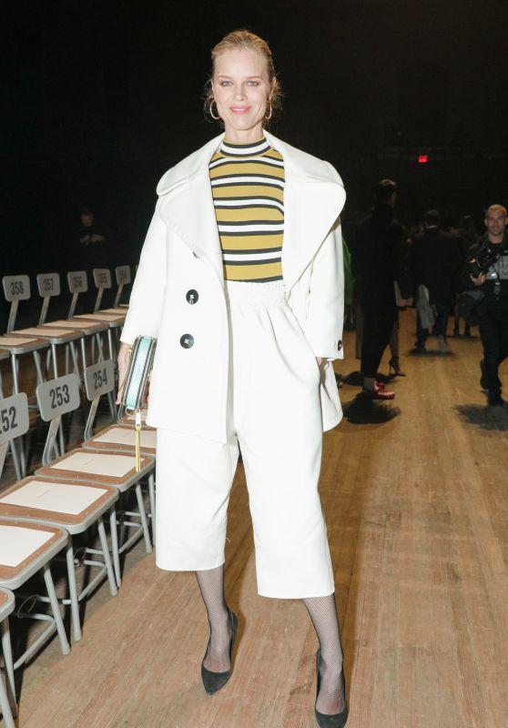 Eva Herzigova – Marc Jacobs Fashion Show, NYFW 02/14/2018
