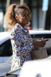 Eve - Stops For a Smoothie in Los Angeles