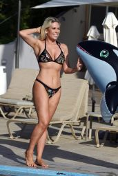 Frankie Essex in Bikini - Holiday in Portugal 02/20/2018