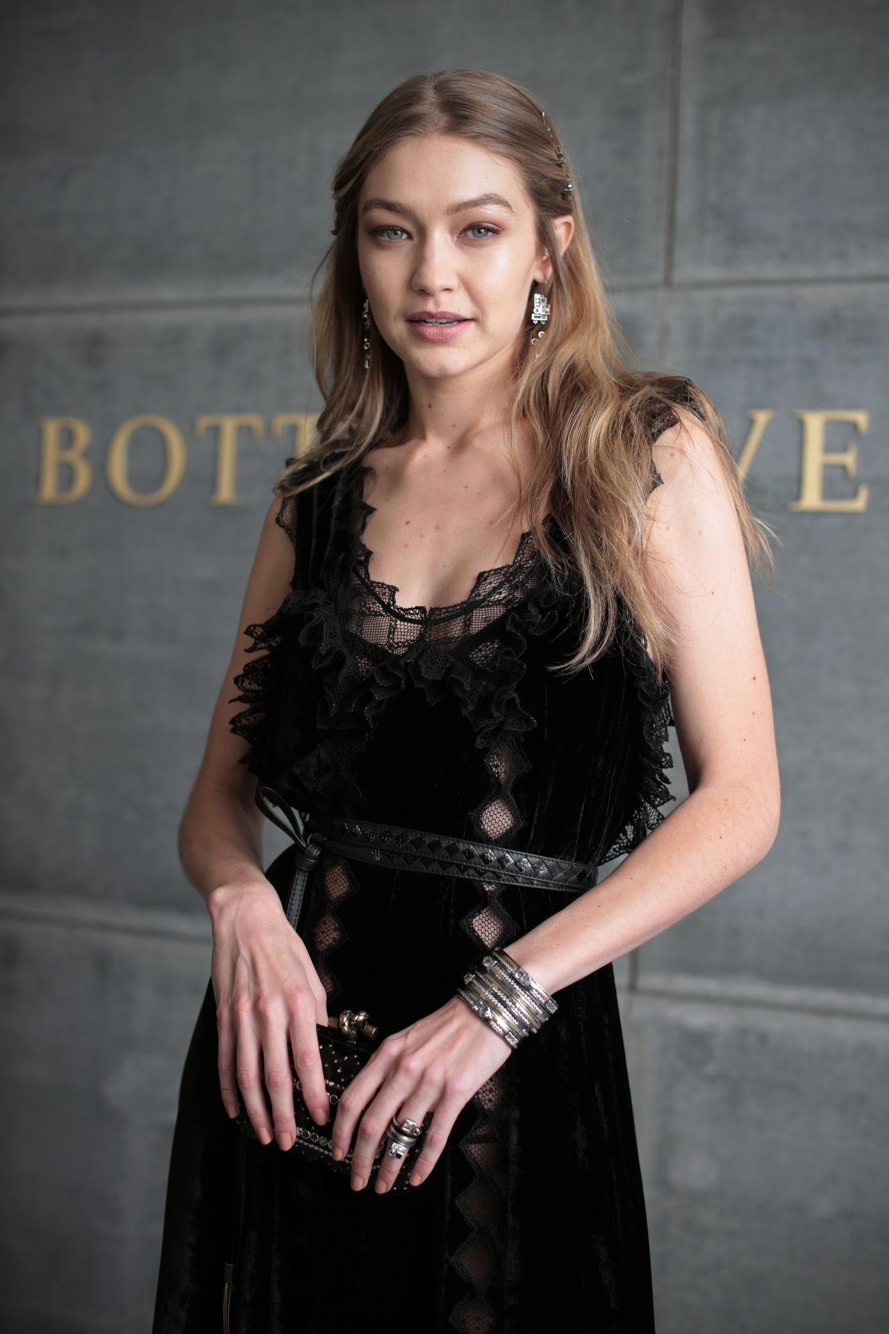 Gigi Hadid Bottega Veneta Show At Nyfw 02 09 2018