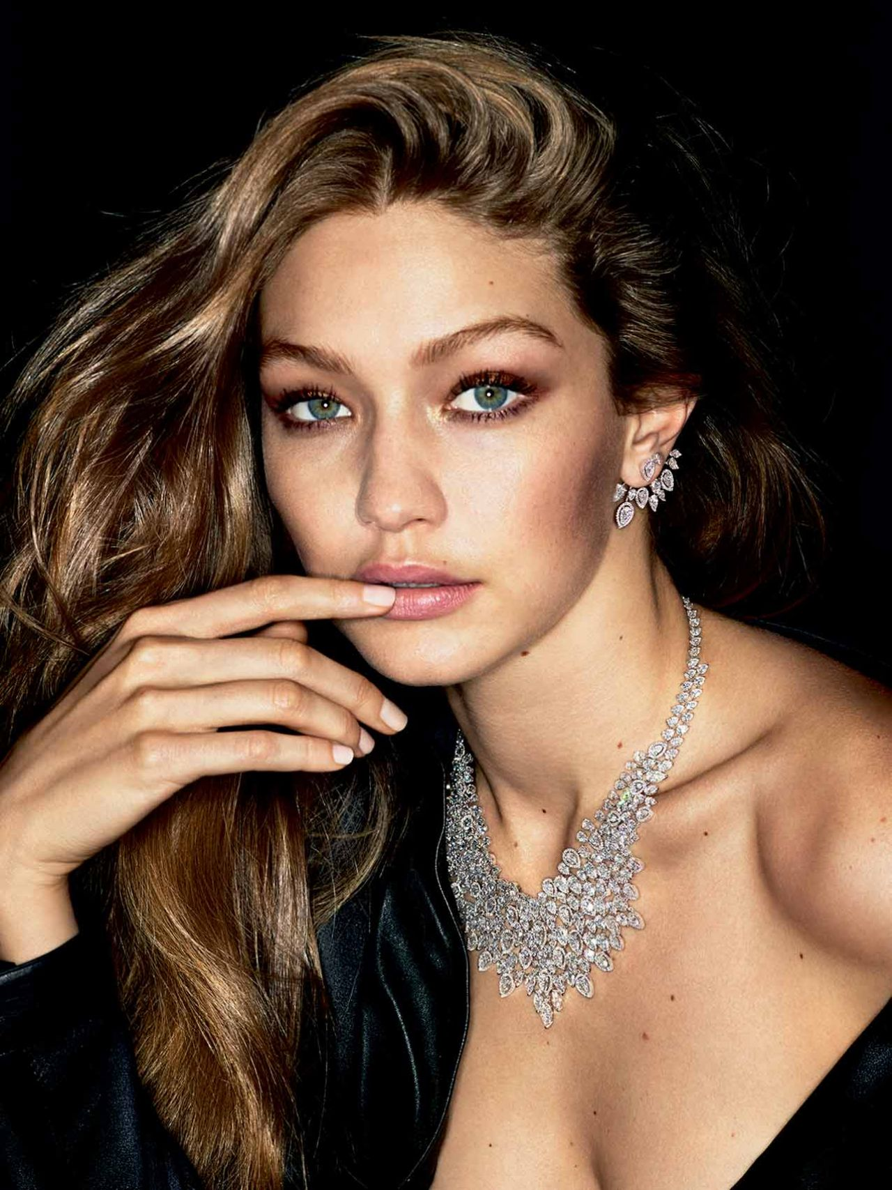 Gigi Hadid Bio, Height, Age, Body Measurements, Weight ...