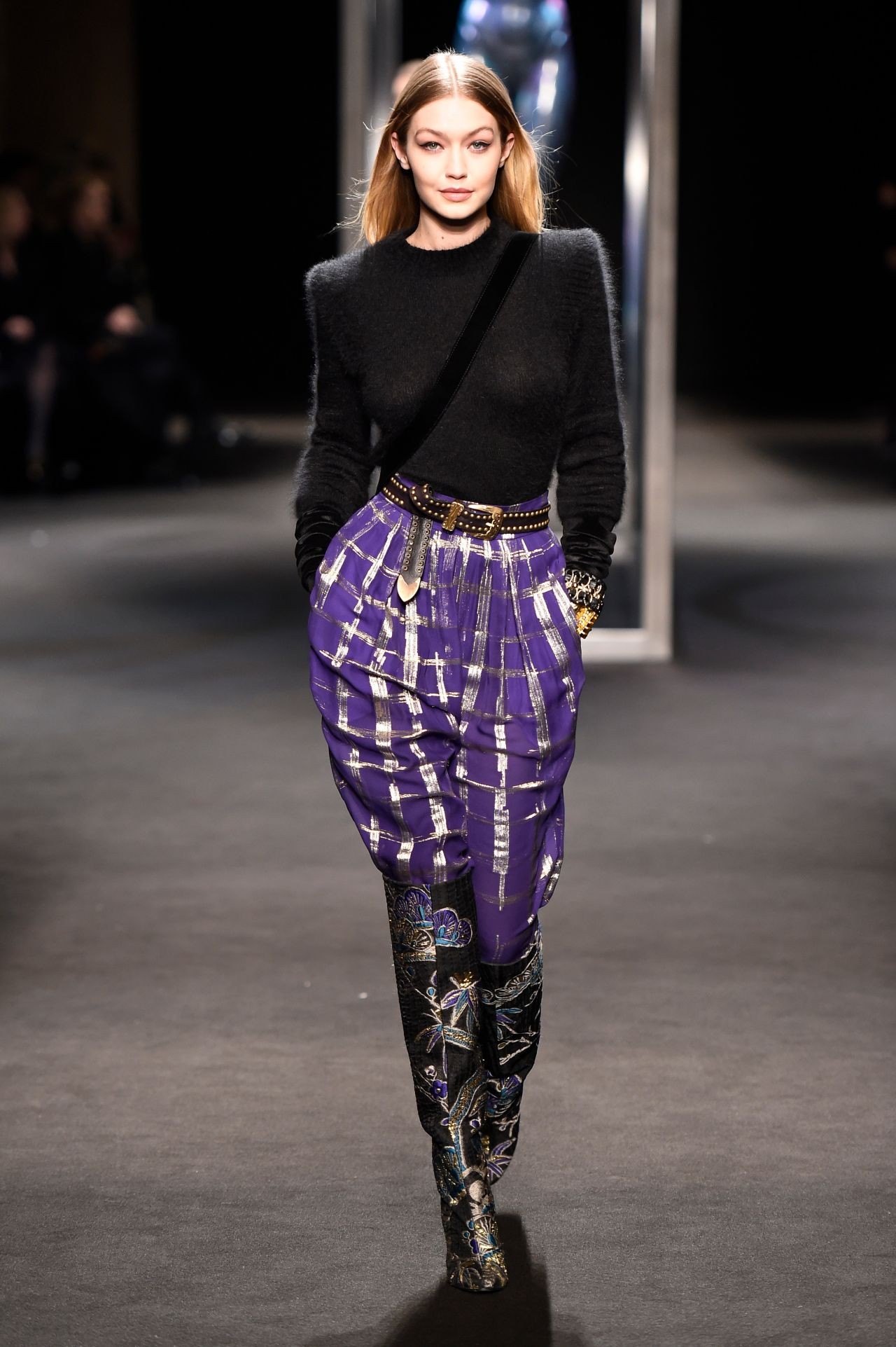 5c81a3da3 Gigi Hadid Supermodel Runway Walk Alberta Ferretti Show Milan