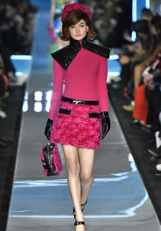 Grace Elizabeth Walks Moschino Show, Milan Fashion Week 02/21/2018