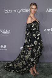 Hailey Clauson - 2018 amfAR Gala in NYC