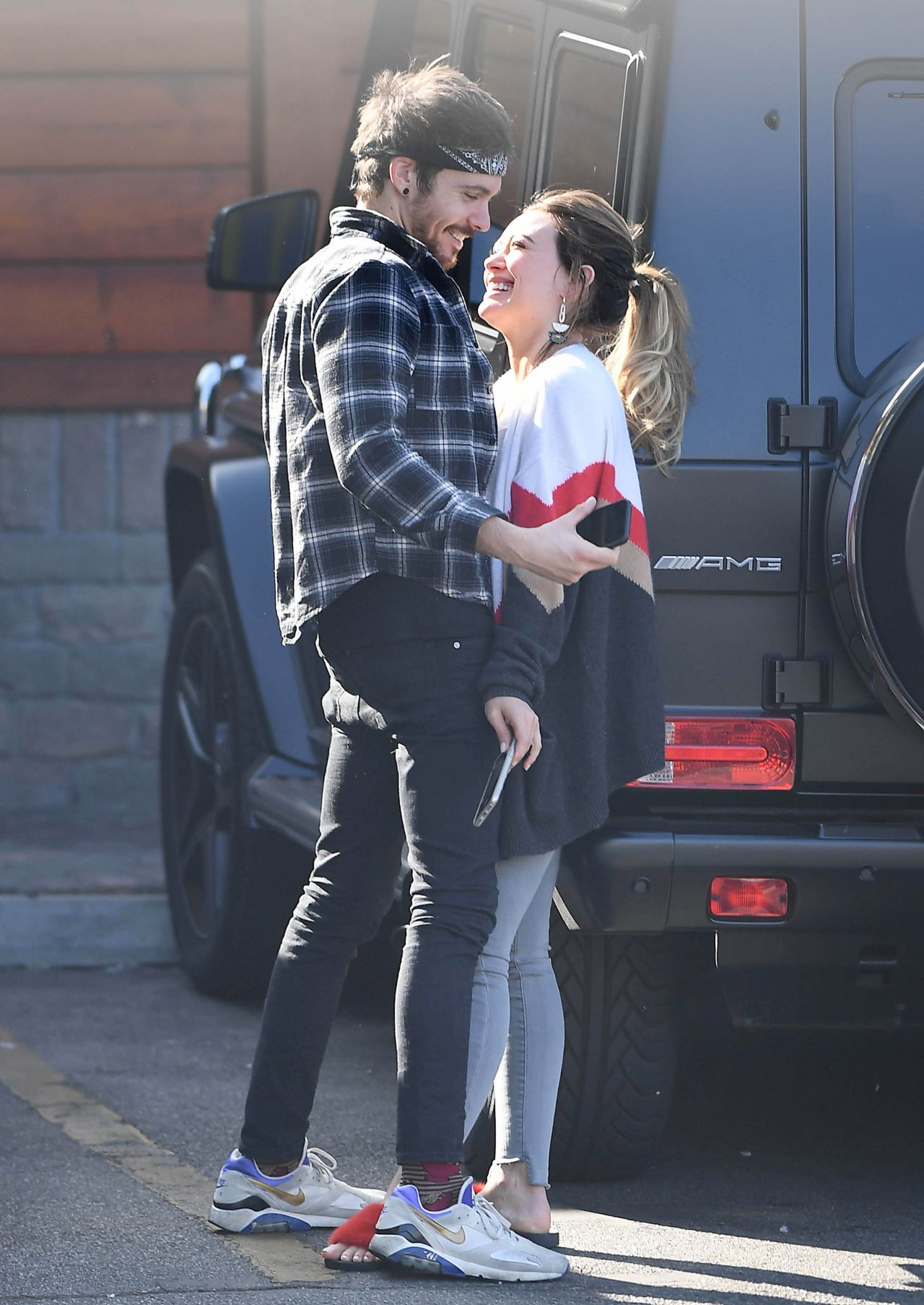 Hilary Duff Kisses Boyfriend Matthew Koma