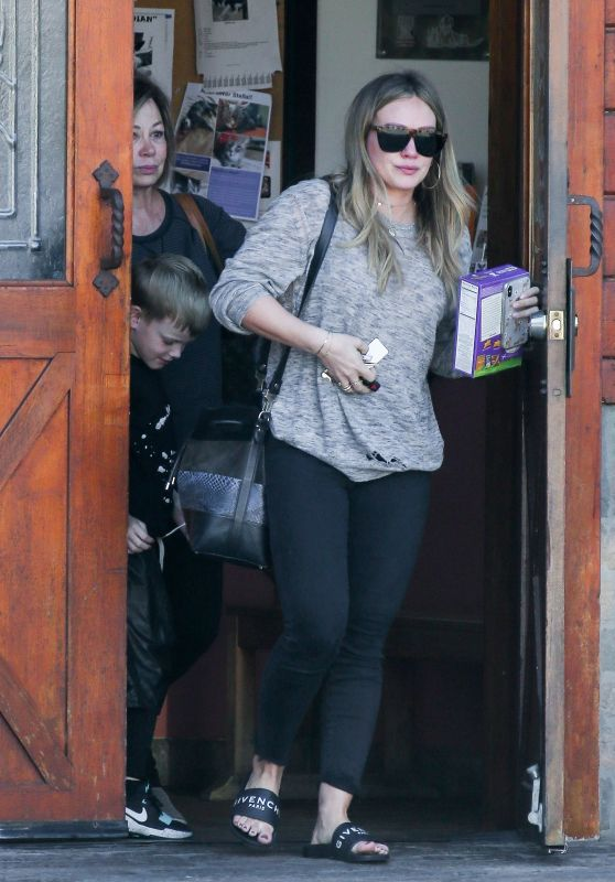 Hilary Duff - Leaving the Veterinary Office in Studio City 02/18/2018