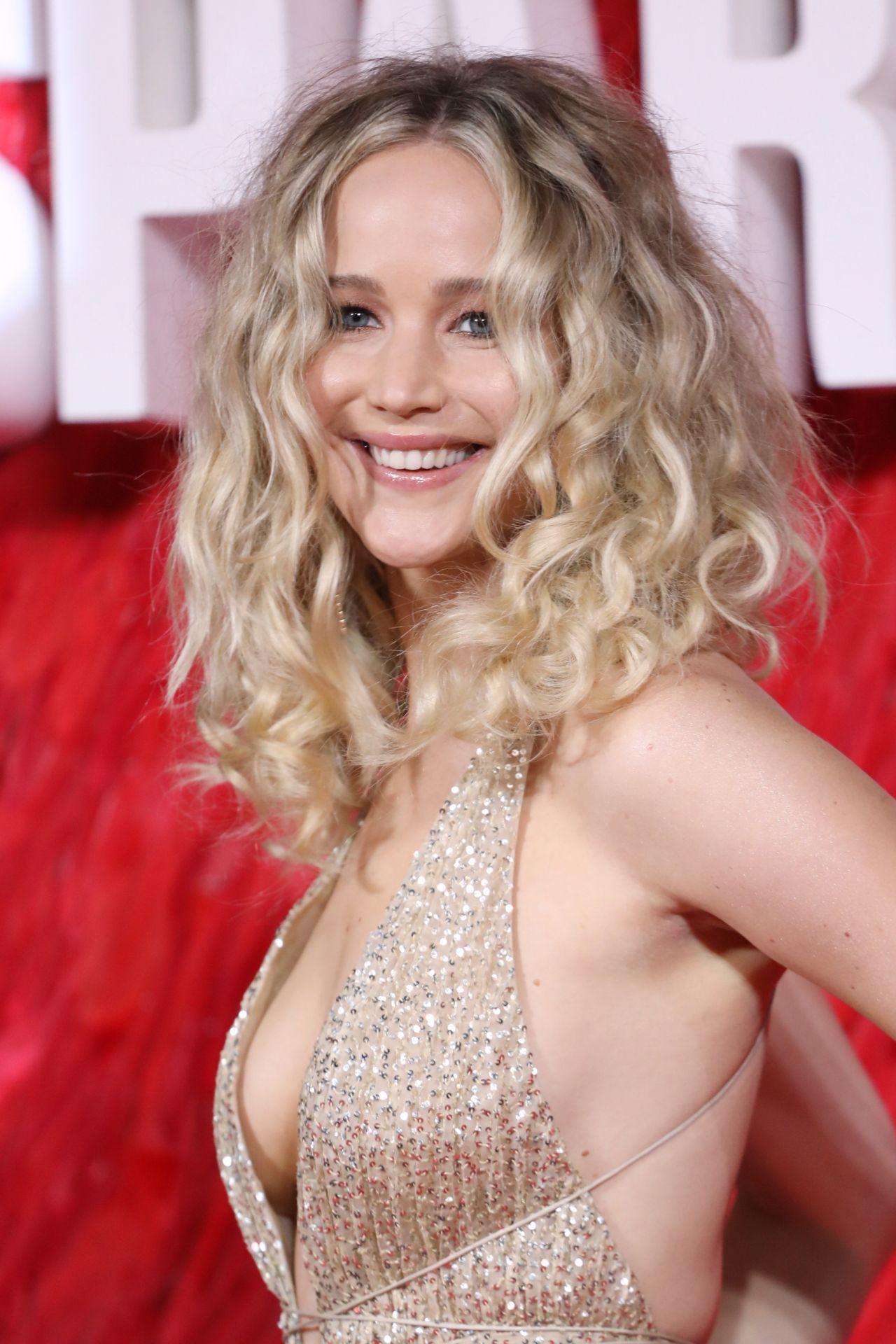 Jennifer Lawrence - -4817