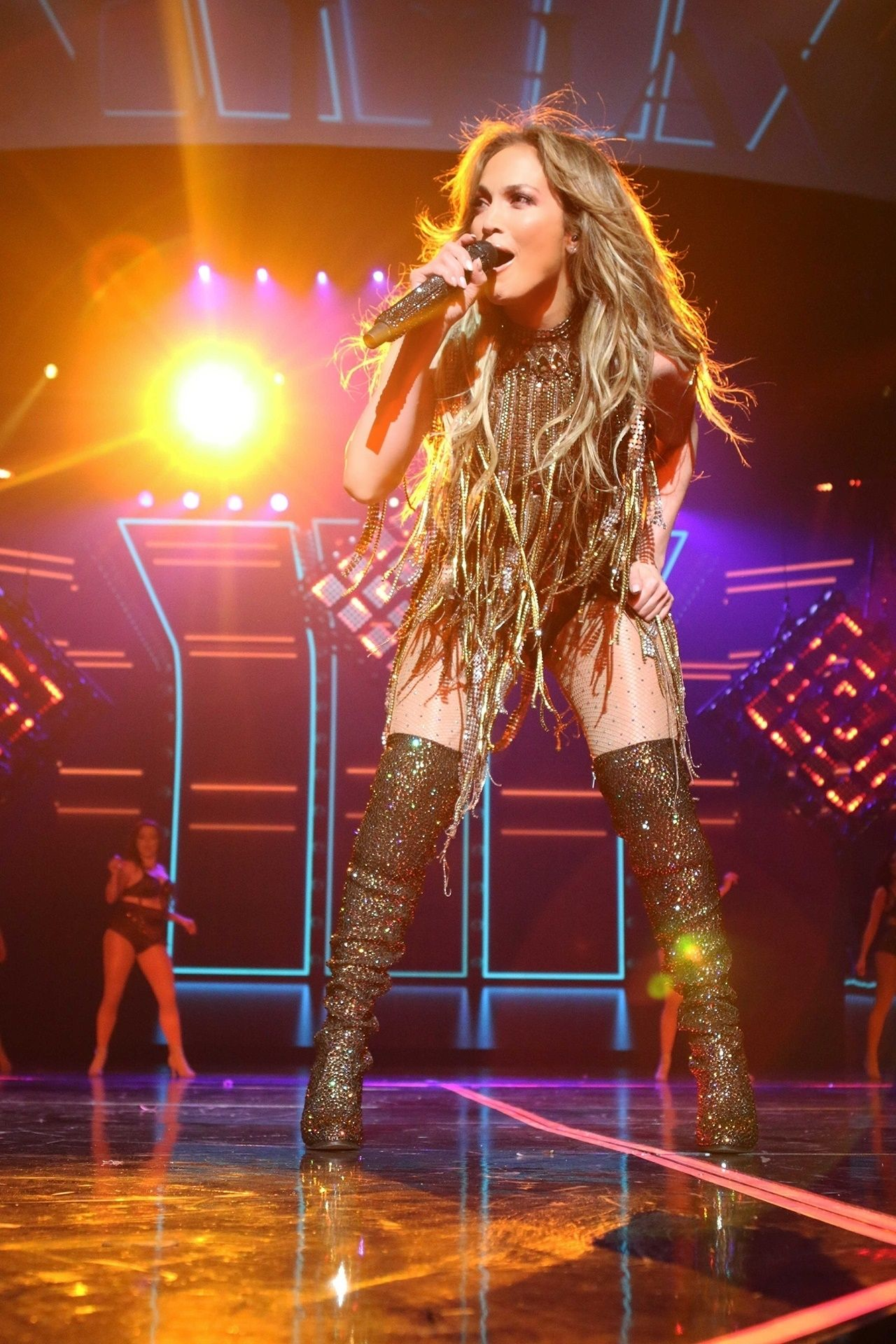 Jennifer Lopez Performs Live At The Axis In Planet