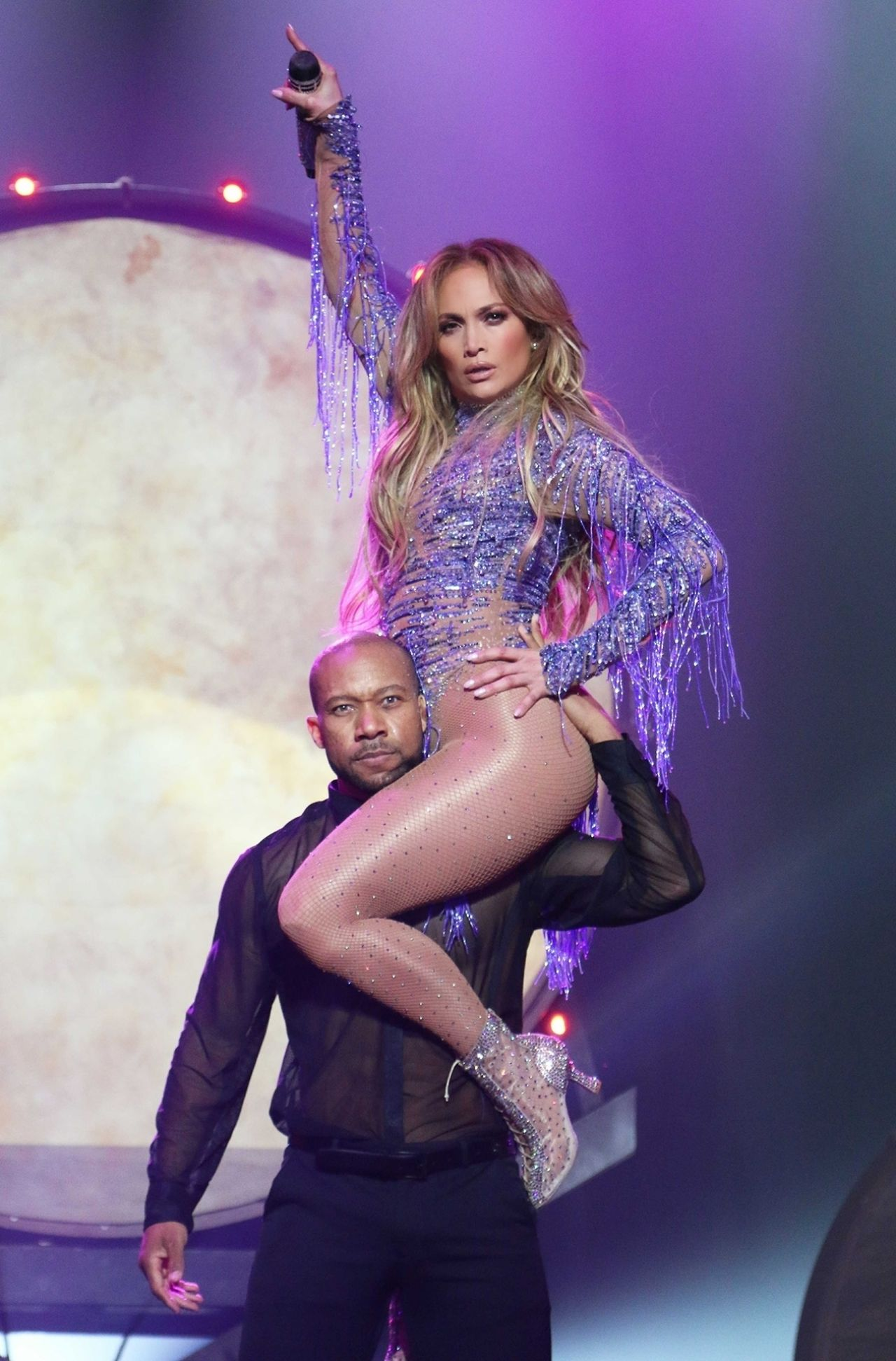 http://celebmafia.com/wp-content/uploads/2018/02/jennifer-lopez-performs-live-at-the-axis-in-planet-hollywood-in-las-vegas-02-23-2018-8.jpg