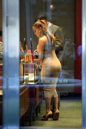 Jennifer Lopez - Shopping for Jewelry in Miami
