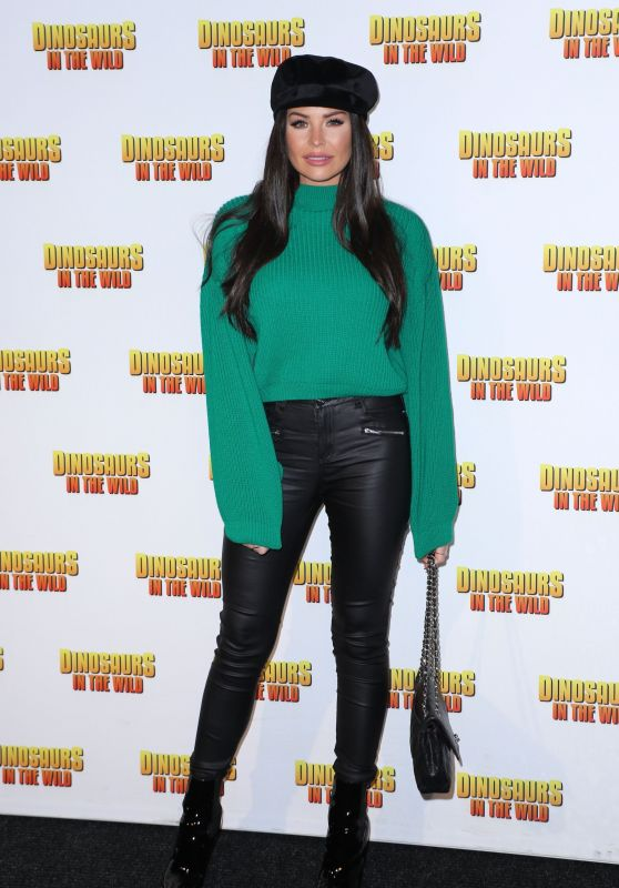 "Jessica Wright – ""Dinosaurs in the Wild"" Exhibition in London"