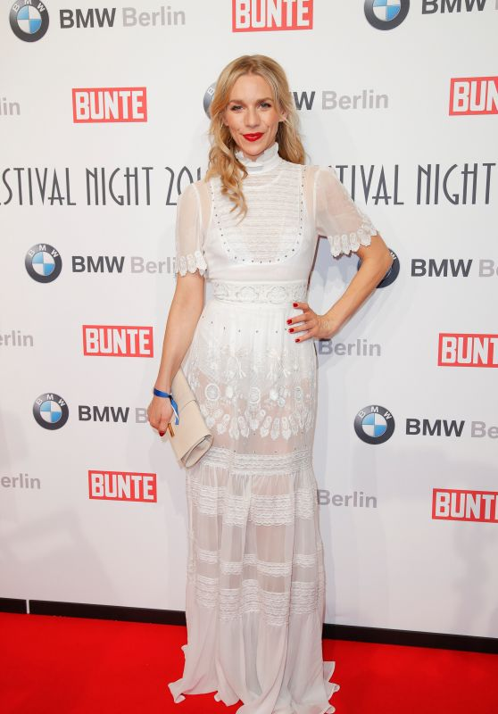 Julia Dietze – BUNTE & BMW Host Festival Night, Berlinale 2018