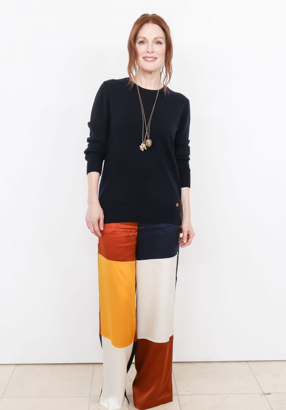 Julianne Moore – Tory Burch Fashion Show Fall Winter 2018 in NYC