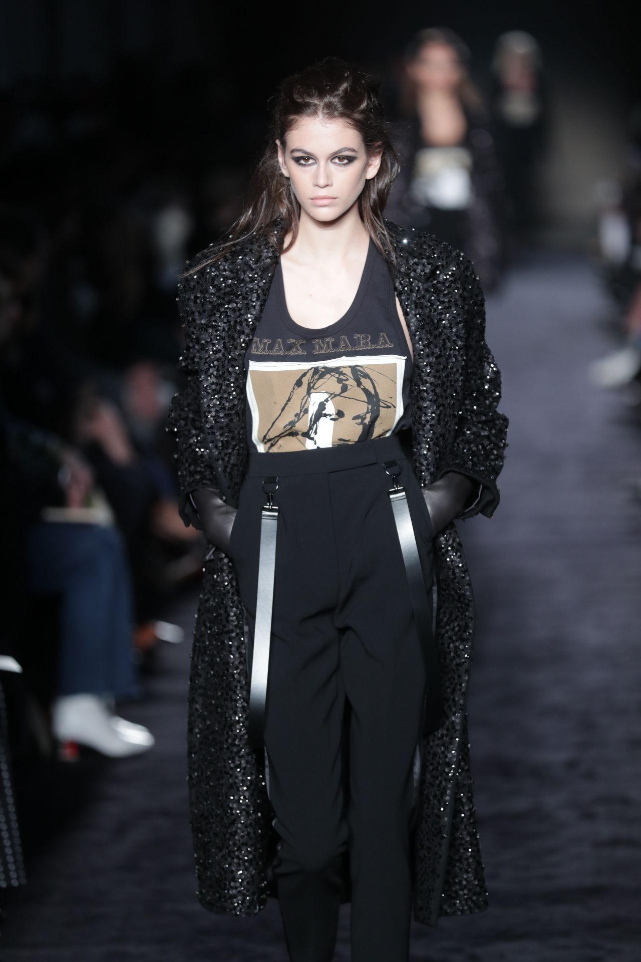 Kaia Gerber Supermodel Runway Walk Max Mara Fashion Show