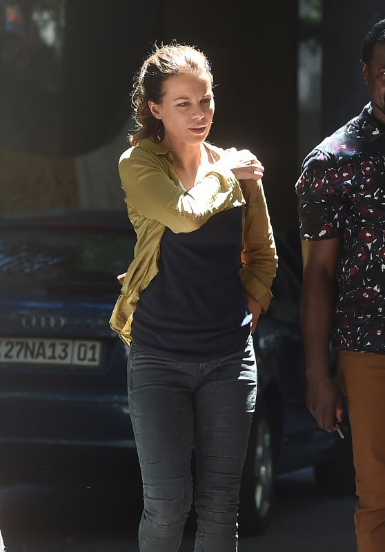 """Kate Beckinsale - Filming Scenes for """"The Widow"""" in Cape Town"""