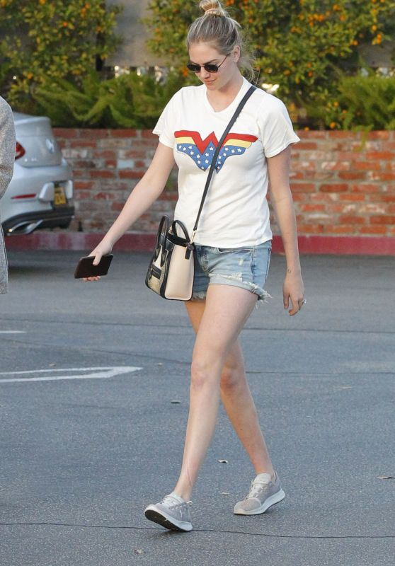 Kate Upton in Wonder Woman T-Shirt in Beverly Hills