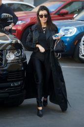 Kourtney Kardashian - Heads the Doctor