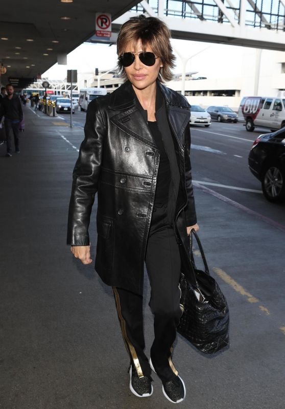 Lisa Rinna - Los Angeles LAX Airport 02/27/2018