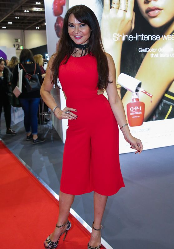 Lizzie Cundy – Professional Beauty Exhibition in London
