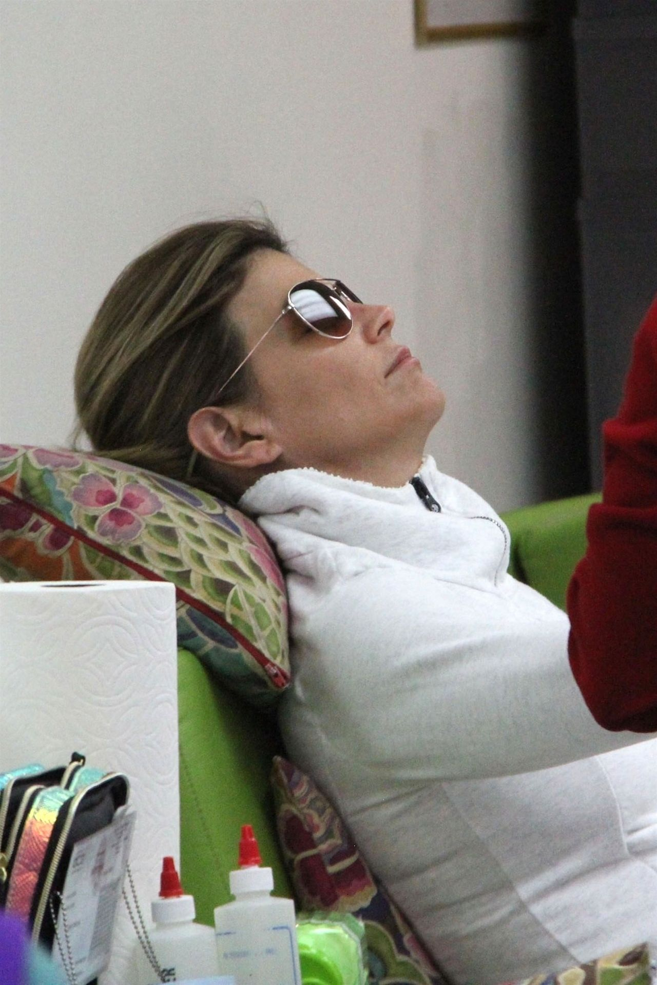 Lori Loughlin Stops By A Nail Salon In Beverly Hills