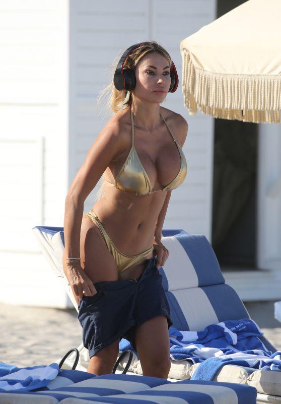 Maria Hering In A Gold Bikini On The Beach In Miami 02 12 2018