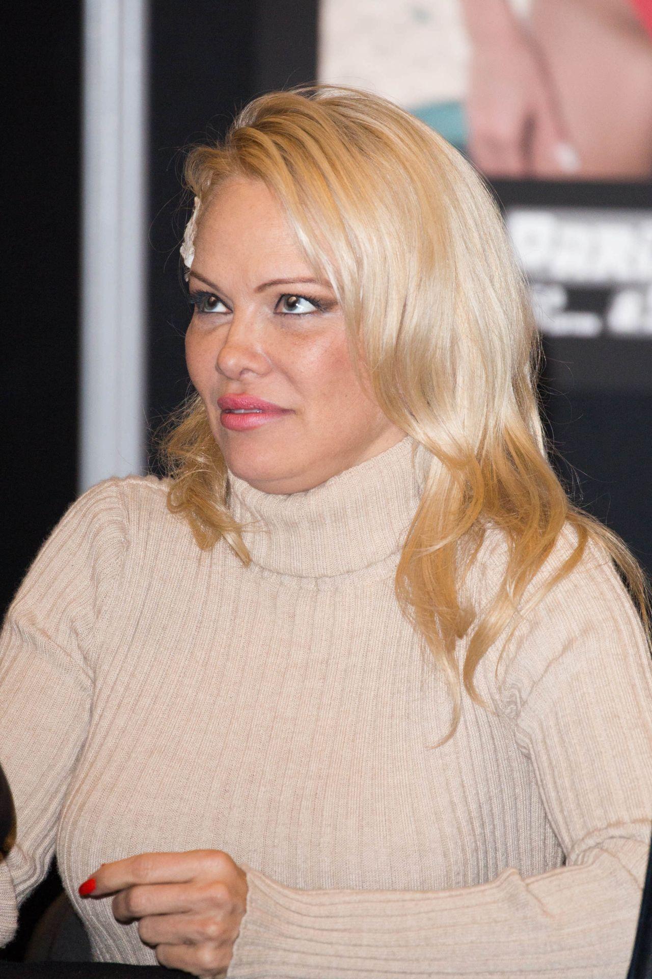 Pamela Anderson 2018 Paris Manga Sci Fi Show