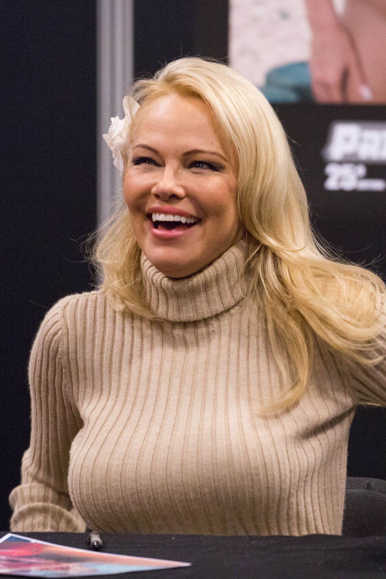 Pamela Anderson 2018 Paris Manga Amp Sci Fi Show