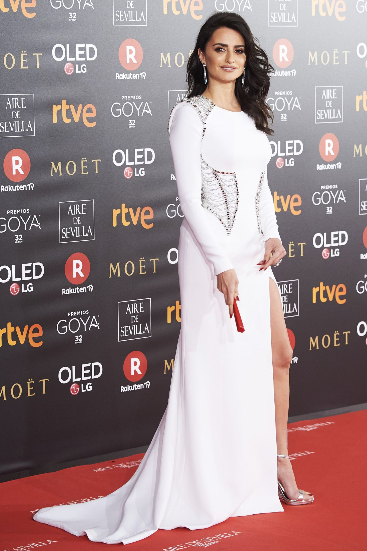 http://celebmafia.com/wp-content/uploads/2018/02/penelope-cruz-2018-goya-awards-in-madrid-12.jpg