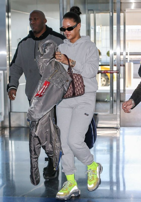 Rihanna in Travel Outfit at JFK Airport in NYC 02/27/2018