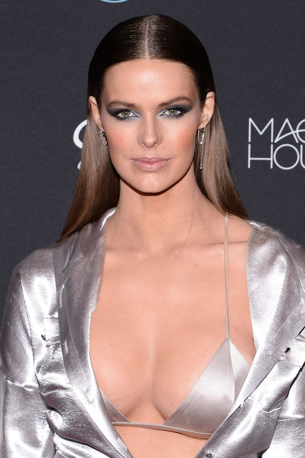 Robyn Lawley – 2018 Sports Illustrated Swimsuit Issue ...Dr Robyn Randall