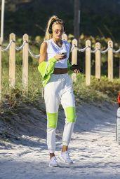 Romee Strijd - Enjoy a Day at the Beach in Miami Beach