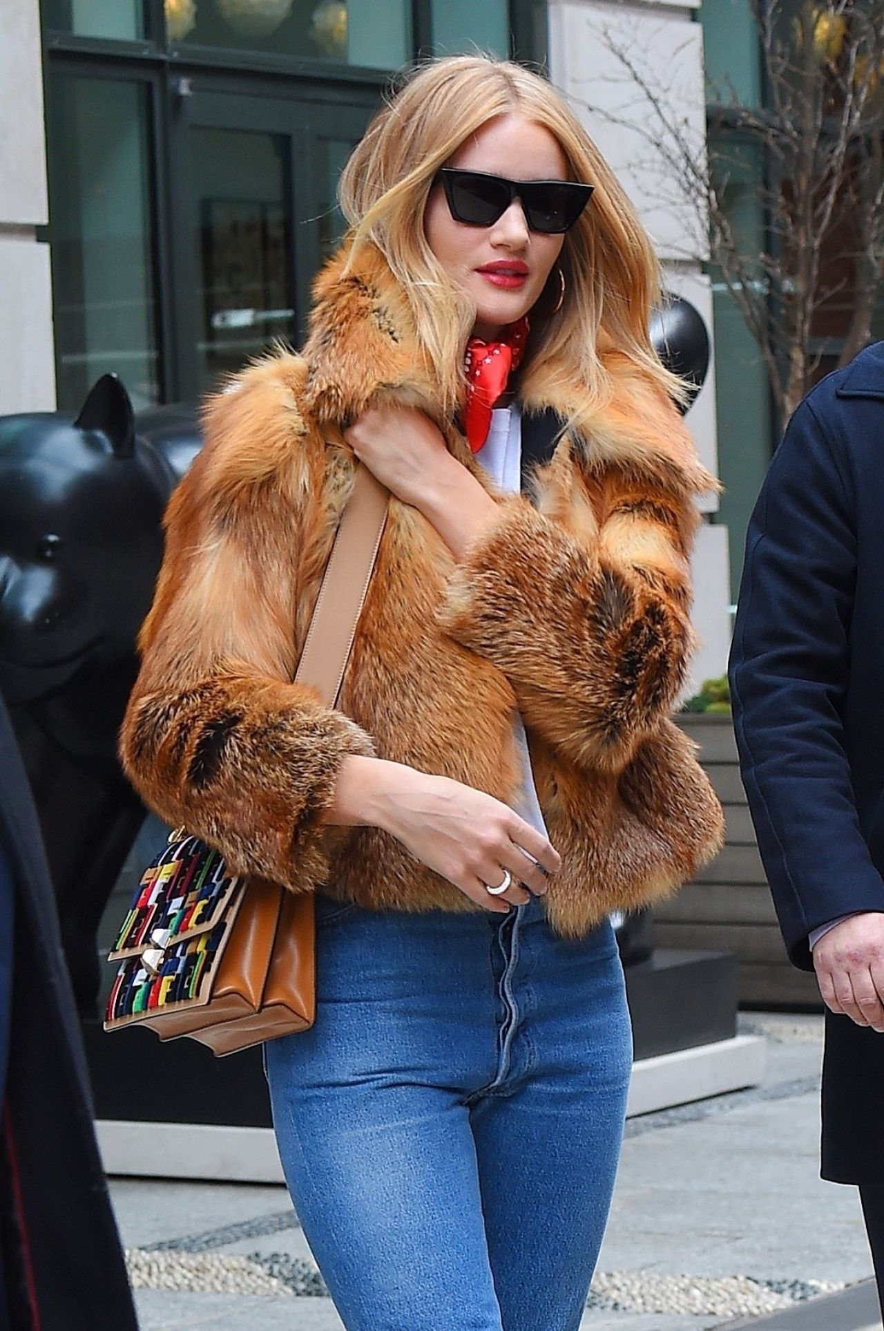 rosie huntington-whiteley street fashion