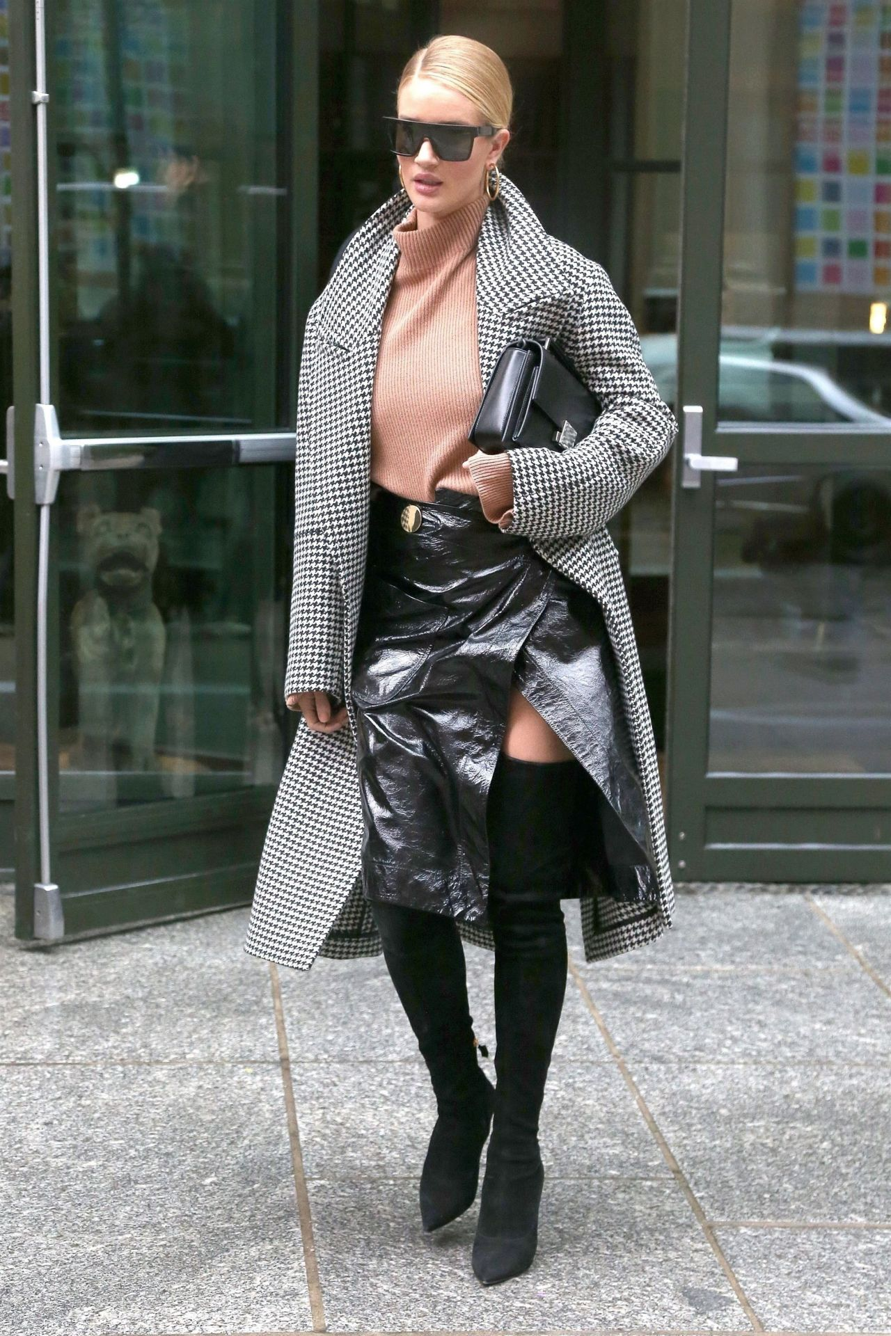 Rosie Huntington Whiteley Style And Fashion Leaving Her
