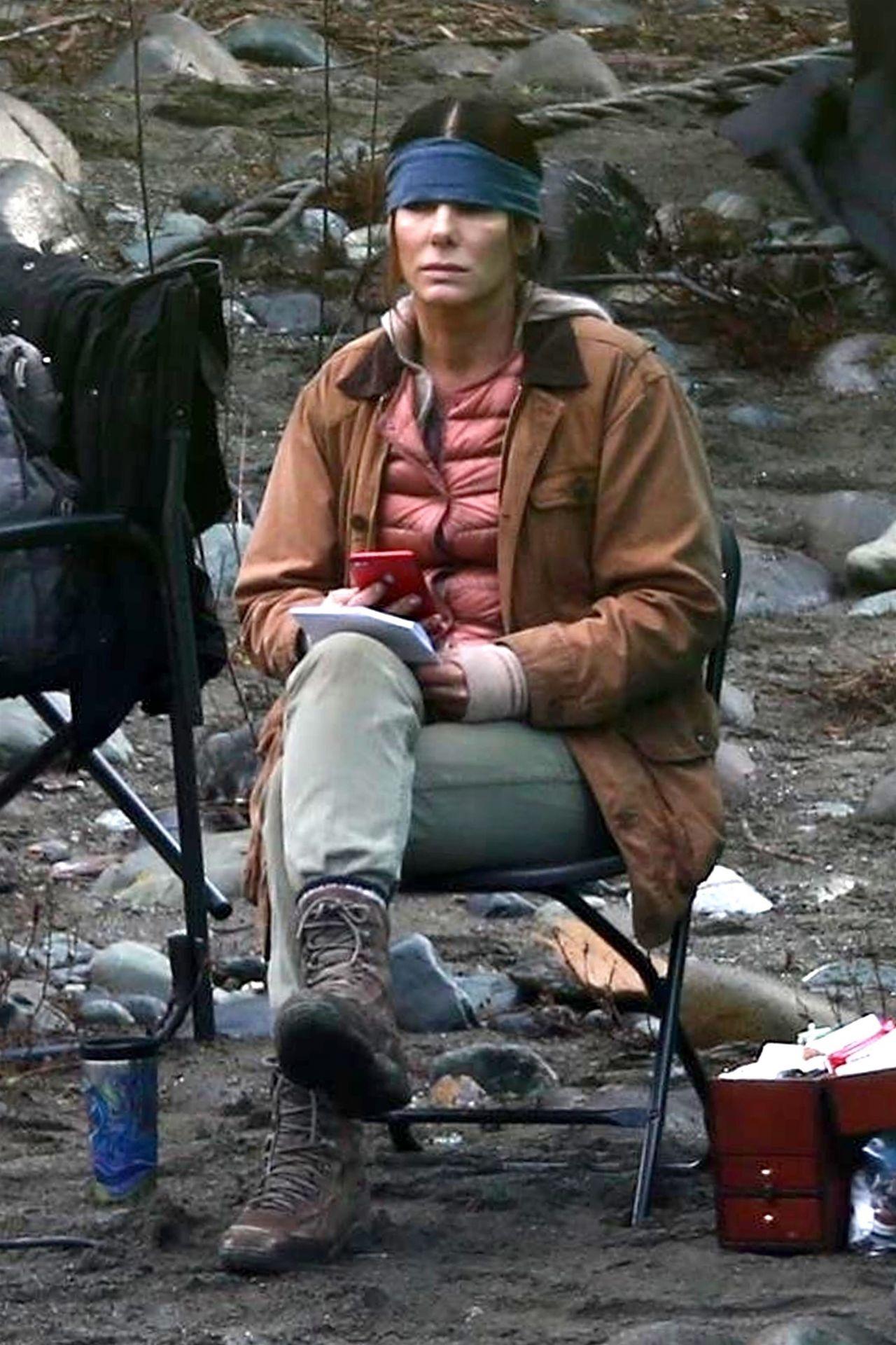 "Filming In Progress The Most Beautiful Actress In The World: Sandra Bullock Filming Dramatic Scene For ""Bird Box"" 01/30"