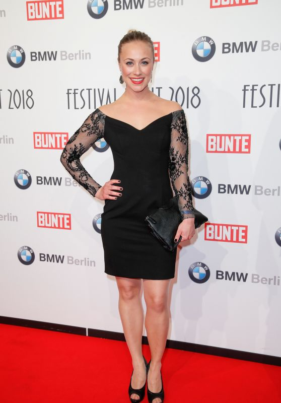 Sina Tkotsch – BUNTE & BMW Host Festival Night, Berlinale 2018