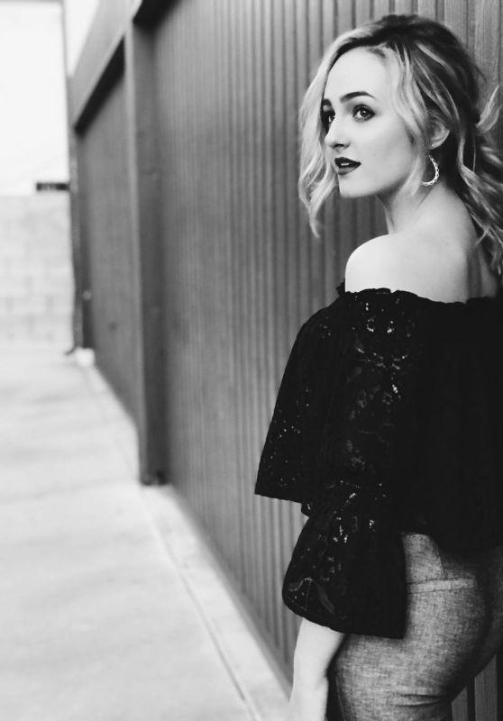 Sophie Reynolds - Social Media 02/06/2018