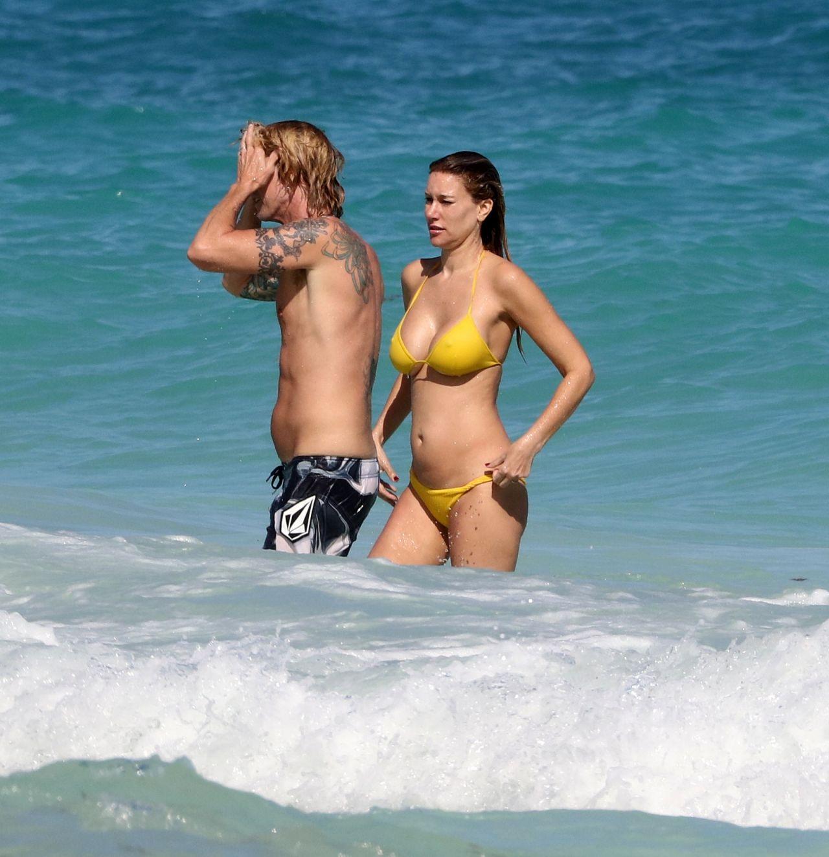 Bikini Allegra Acosta naked (61 photos) Sideboobs, iCloud, butt