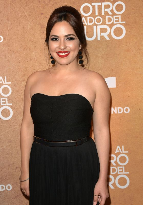 """Thamara Aguilar – """"Al Otro Lado del Muro"""" Telenova Screening in Miami"""